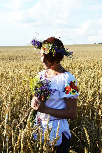 Hi! Hello World That's Me Ukrainian Girl україночка Українаєдина славаукраїні