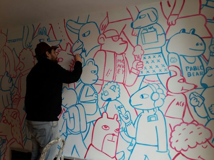 Almost finished! Painting @ Zooloco Guesthouse in Barcelona