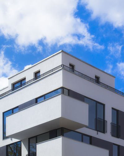 Angle View. FILIPPI GIULIA PHOTOGRAPHY. Architecture Berlin Blue Building Building Exterior Built Structure City Cloud - Sky Germany Glass House Low Angle View Minimalism Modern Outdoors Photographer Photography Reflection Sky Sun Sunlight Sunshine Urban Urban Geometry Window