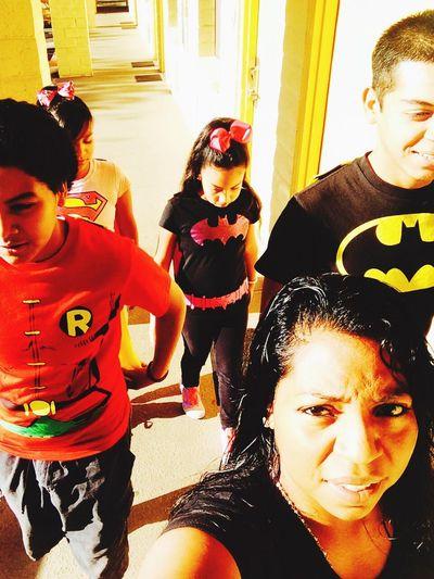 Batman Robyn Supergirl Batgirl yep..this is how we roll ???