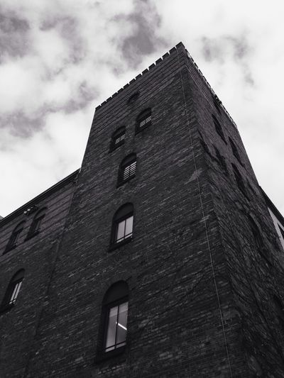 Eerie Castle —