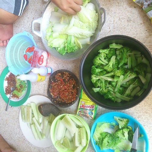 Rutinitas Ngerujak part 2 Mantaff Vegetarian Kring 1. Kring 2 Kagok 49 ngidam