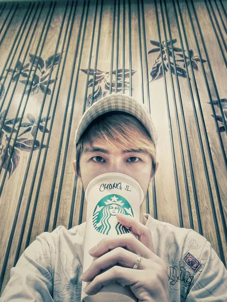 Front View Looking At Camera Portrait One Person Young Adult Headshot Day Real People Close-up Starbucksplanner Starbucks Love Starbucks! Starbucks !!! Starbuckscoffee Starbucks HuaweiP9plus Youyida HuaweiP9Photography HuaweiP9 Huawei P9 Leica Huawei P9 Plus Huawei Photography Starbucks Coffee Starbucks ❤ Starbucks <3