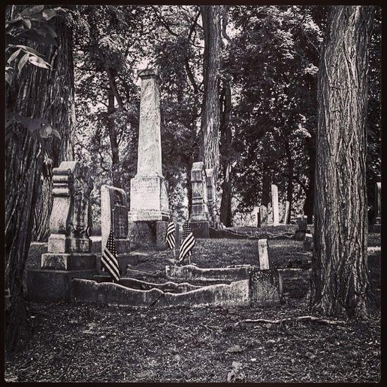 Bright Cemetery, Oakmont.