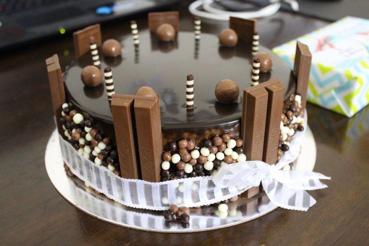 Cake Kitkat Birthday Cake Sweets