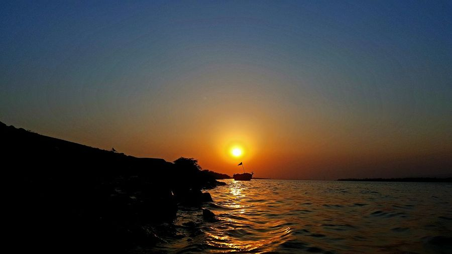 Sunset River Tranquil Scene Sun Silhouette Tranquility Vacations Scenics Horizon Over Water Water Nature Beauty In Nature Travel Destinations Outdoors Sand Sky Summer Idyllic S6edge Lost In The Landscape