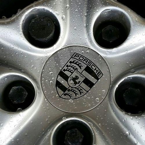 Lost a centercap the othe day, bur got a new one Porsche944 Vintage Porsche Porsche EyeEm Best Shots Eyem Gallery