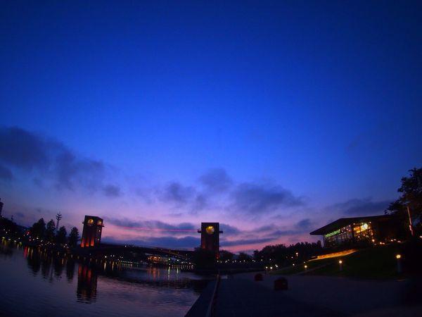 世界一…あれ?日本一だっけ?美しいスタバがある富山の環水公園 Starbucks Starbucks Coffee Sunset EyeEm Best Shots - Sunsets + Sunrise Twilight EyeEm Nature Lover EyeEm Best Shots - Nature Toyama-shi Japan やっと今週も終わり…今週は忙しかった😵