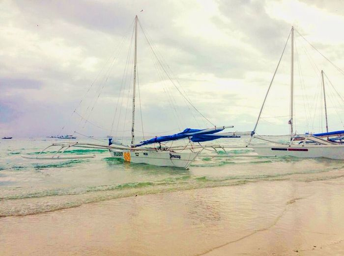 I would visit Boracay again for their Beautifulbeach IPhoneography Photography Bestbeach Beachphotography Seascape Skyscape Urbanphotography Photooftheday Nature Beautifuldestinations Photographylovers Philippines Boracay Philippines Ilovephotography Travelling