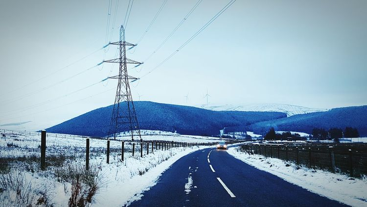 Traveling Sightseeing Scotland 💕 Roadside Eye Em Scotland Scenic Lookout Scotland Abington Taking Pictures Wind Turbines Snow Scene  Snow Day Snow ❄ January 2016 Winter Evening Winter Evenings Frozen Nature Cold Weather Winterscapes Wintertime Winterevening Showcase: January Frozen Wind Turbine Taking Photos
