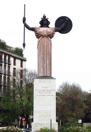 La Minerva City Italia Italy Italy❤️ Low Angle View Memories Minerva Pavia Sculpture Statue