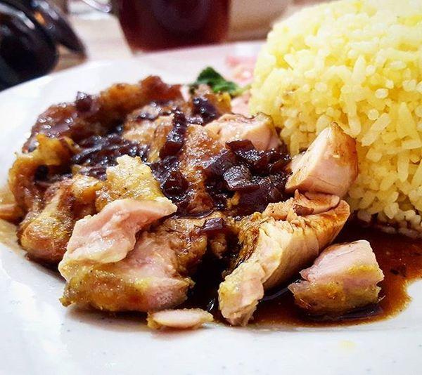 Vietnamese grilled pork chop with mushroom sauce at pho ha Foodies Food Foodstagram Foodporn Foodgasm Vietnamesefood Brunei Phoha GrilledChicken