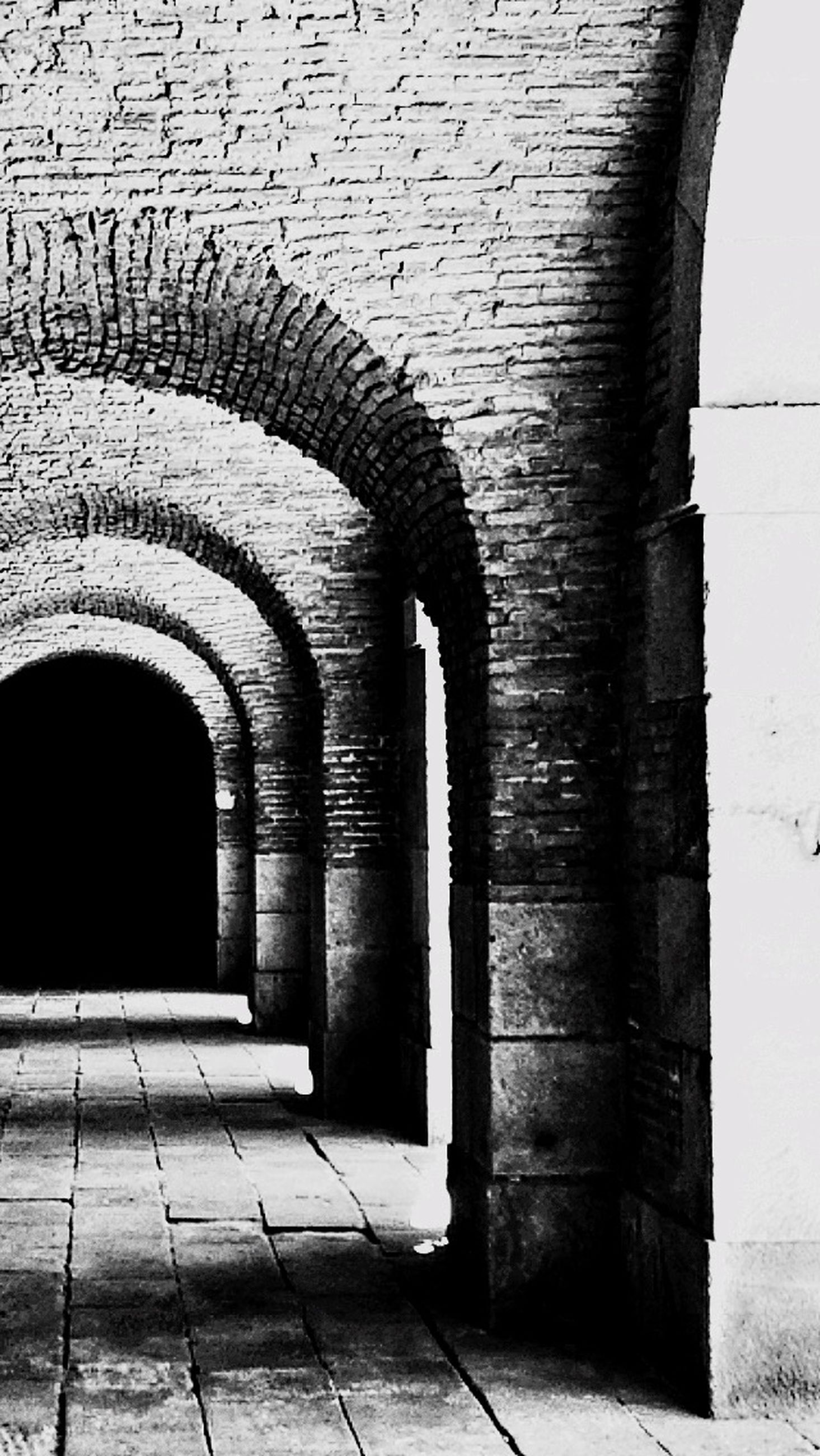 architecture, built structure, arch, building exterior, old, archway, brick wall, wall - building feature, building, entrance, history, door, stone wall, arched, wall, day, indoors, corridor, historic, cobblestone
