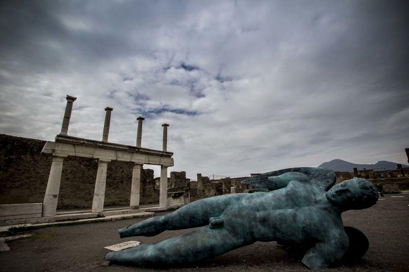 Igor Mitoraj a Pompei Ancient Architecture Ancient Ruins Clouds Day Igor Mitoraj Italia Napoli Napoliphotoproject Outdoor Photography Outdoors Pompei Scavi Pompei. Archeologia Pompeii  Pompeiscavi Statues