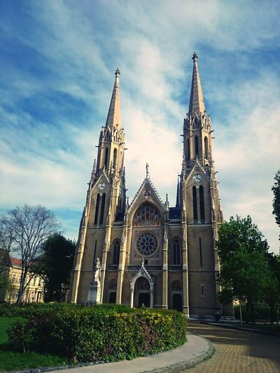 City Travel Destinations Building Exterior Cultures Outdoors Sky Clock Day Budapest Beauty In Nature EyeEm Nature Lover Budapest, Hungary Building Church Sunlight Plant Spring Park