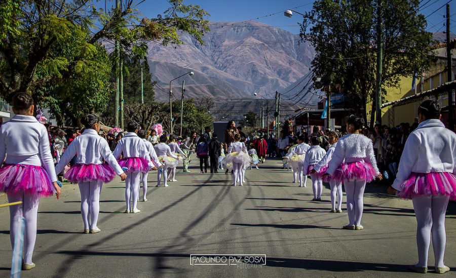 📷 Escuela Integral de Danzas en Campo Quijano, Salta, Argentina Girls Little Girl Landscape Dance Photography Dancing Photographer Photo Photography Salta, Argentina Argentina Fotografia Danza Group Day World Baile Tree Large Group Of People Real People Men Women Outdoors Adult People Adults Only