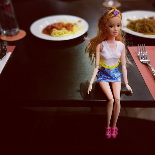 Talk to her... Beauty #diner #girl # One Girl Only Children Only Child Girls Childhood One Person People