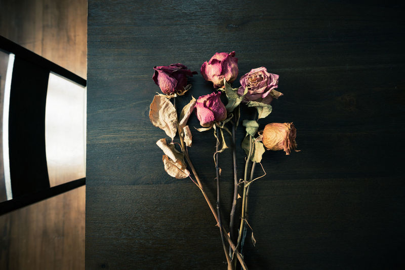 Close-up of rose bouquet on table