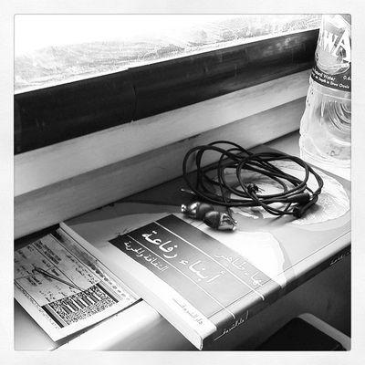 راجعين راجعين رافعين رايات النصر. اسكندرية Alex Train Traveling عمق black_and_white BW Reading Music OnTheGo Note3