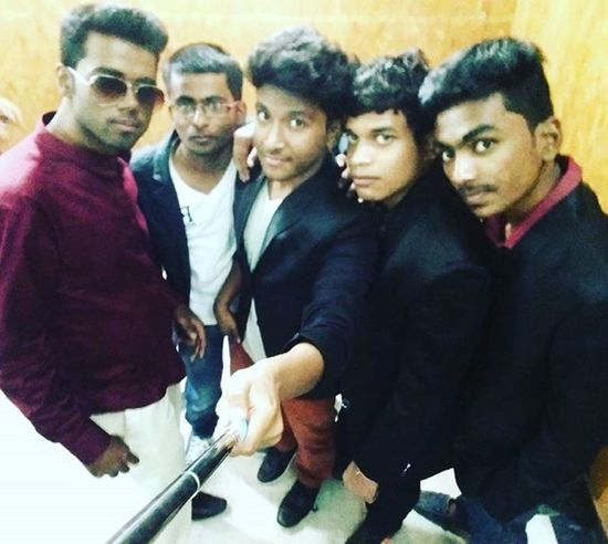 Me Selfie @shaurya_kashyapp @kashyap198 @kumarkeshavnarayan @sauravstreak @gabru_gaurav Farewell2016 Awesome Day Picoftheday Formals Blacklove Instagram Filter Instaedit Instacool Instacute Instalikes Like4like Like4follow Endofschoollife Memories Friends Missyaall Love Hairstyle