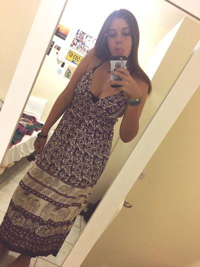 קונסת ללילי שמלות כי עוד שבוע קפריסין✈️🌴✌🏽
