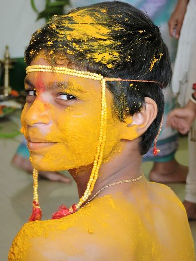 Indian Culture  Boy Indiapictures India Culture Of India Culture Heritage Turmeric  Indian Boy Faces Of EyeEm Faces Of The World Faces Faces Of India Uniqueness