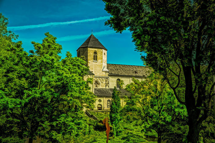 Church Münsterkirche  Tree Architecture Building Exterior Built Structure Cross Day Green Color History Nature No People Outdoors Place Of Worship Religion Sky Spirituality Streetphotography Tree