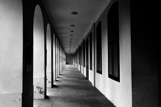 Architecture Black And White Blackandwhite Blackandwhite Photography Blackandwhitearchitecture Blackandwhitephotography Corridor Eye4photography  EyeEm EyeEm Best Shots EyeEm Gallery EyeemPhilippines Eyeemvietnam Eyemphotography Hanoi Hanoi Vietnam  Landscape Leading Lines Light And Shadow Pattern Pieces Pattern Shadow Monochrome Photography Perspective Monochrome