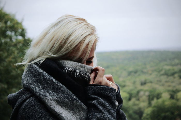 PortraitPhotography Portraits Autumn Warm Clothing Blond Hair Headshot Women Close-up Wrapped In A Blanket Hood - Clothing Fall Leaves Autumn Collection