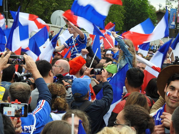 Sea of France Game France 🇫🇷 Viva La France World Cup 2018 Summer ☀ Summer Sankt-peterburg Sankt-Petersburg Colors Of Sankt-Peterburg Russia Football France With Belgium Final Frendship No Politics Real Happiness People Of France Flag Fan - Enthusiast Men Women Togetherness Flag Patriotism The Photojournalist - 2018 EyeEm Awards The Street Photographer - 2018 EyeEm Awards Love The Game