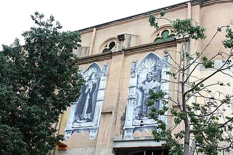 Streetphotography Streetart Church Strange Church Barcelonalove