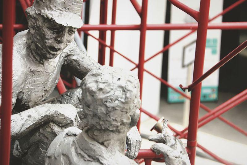 Old statue conversation. Art:1 Statue Old Man Workers Enjoying Life Talking Jakarta INDONESIA First Eyeem Photo