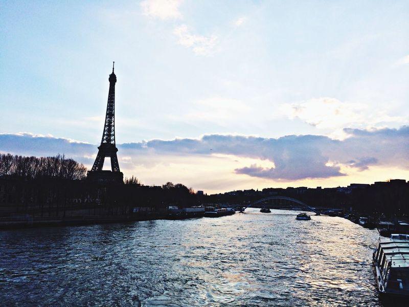 Paris Tour Eiffel Sunrise Hello World