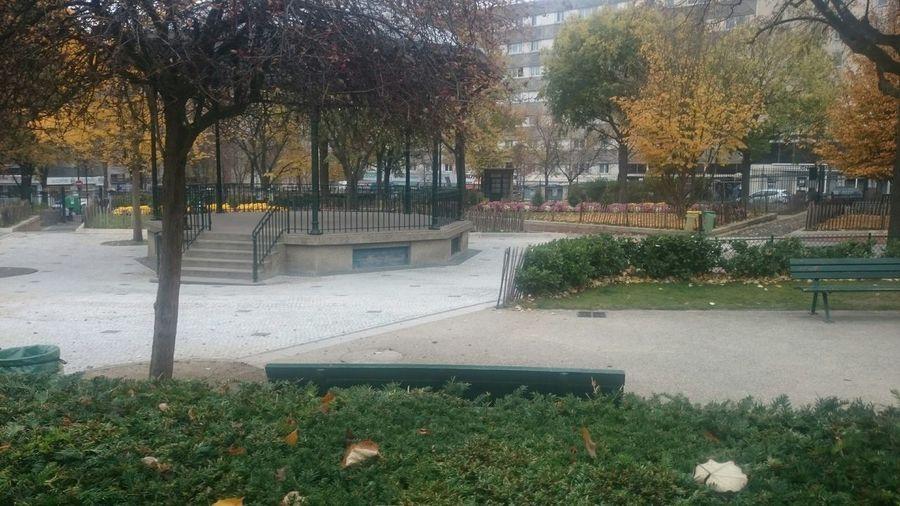 Paris 19e Place Des Fêtes Jardin Parc