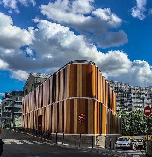 Paris Building Exterior Parispics Cityscape Paris, France  Road Streetphotography City Paris ❤ Street Photography Sky Cityscapes City Building Street Streetphoto_color Architecture