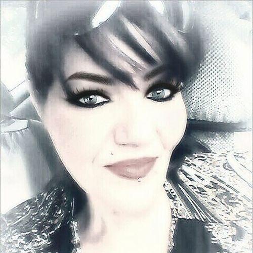 WaybackWednesday Selfie Mememe Hello Hi Guesswho Filterfunlol Iheartselfies Queendee Happy Humpbackday peeps! Here's a golden oldie for ya! Lol