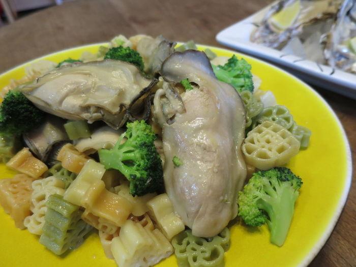 お歳暮で頂いた、昆布森産の牡蠣。デカさにびっくり。ごちそう様でした。 Oyster  Oysters カギ ソテー 牡蠣
