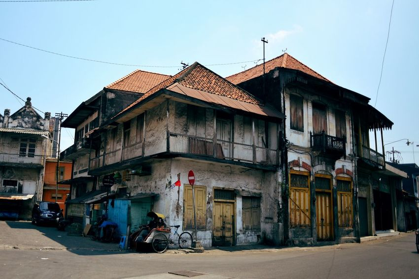 Old buildings in Surabaya, East Java, Indonesia. Building Exterior Architecture House Built Structure Outdoors Day No People Clear Sky Sky Old Architecture Old Building  Old Town Old Buildings Architecture City Surabaya INDONESIA