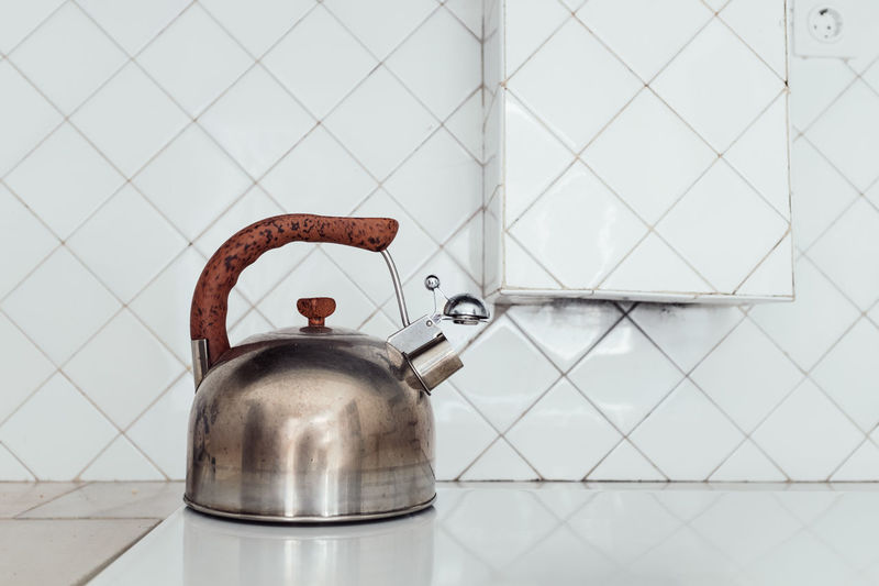 The White House Appliance Bathroom Close-up Domestic Kitchen Domestic Room Flooring Handle Home Household Equipment Indoors  Kettle Kitchen Metal No People Silver Colored Steel Still Life Threeweeksgalicia Tile Wall - Building Feature White