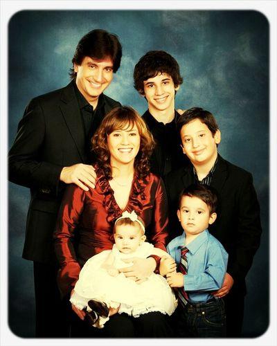 I Like This Family :')