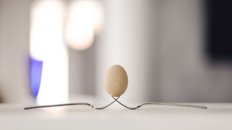 Alla ricerca di un equilibrio Egg Day Equilibrio Focus On Foreground Illuminated No People Selective Focus Still Life Uovo First Eyeem Photo