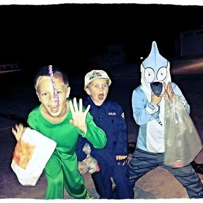 Stop and strike a Pose Lovemyboys Halloween2013 Crazykids