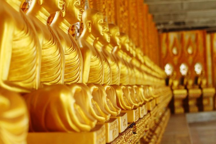 Nature outdoor Buddha In A Row Belief Spirituality Religion Place Of Worship Art And Craft Sculpture Architecture Selective Focus No People Statue Indoors  Built Structure Representation Order Gold Colored Building Idol Craft Ornate Visual Creativity My Best Photo