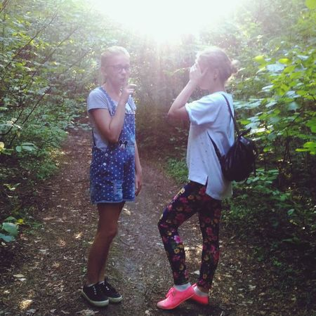Forest Лес 2 Girls две девушки