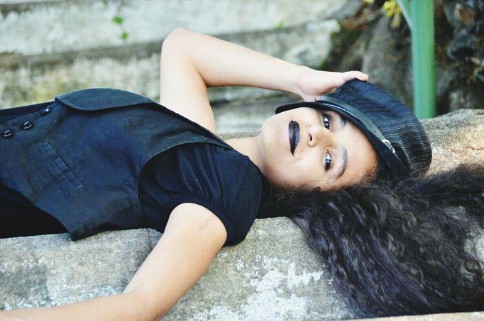 Nikonphotography Cemetery Bymyboyfriend Gotica Dark Longhair♥ Chapéu Woman Model Rock