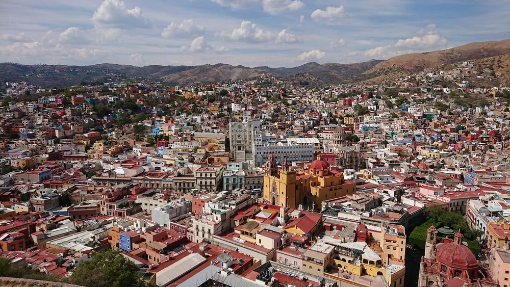 the great view😘 From Above  Beautiful View Landscapes TOWNSCAPE Tranquil Scene Beautiful Place color palette Townhouse Travel Traveling Viaje Mexico_maravilloso Mexico Journey Adventure Scenery Scenics Mountain Politics And Government Aerial View Sky Cloud - Sky Cityscape Skyscraper Downtown Residential District Adventures In The City