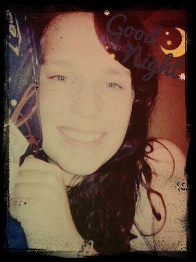 Good night evreybody <3 sleep well and have wonderful dreams :3 Good Night ♡♡ Smile :) GermanGirl Dreaming