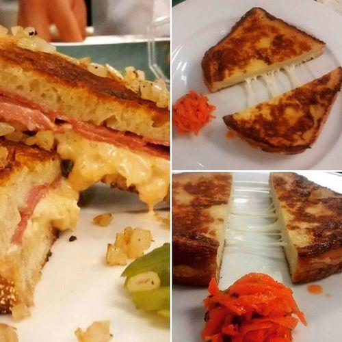 ~horse radish swiss cheese beef sandwich ~ Sandwitch Cheese Grilledcheese Breakfast Food Yummy Salad Carret Delishh