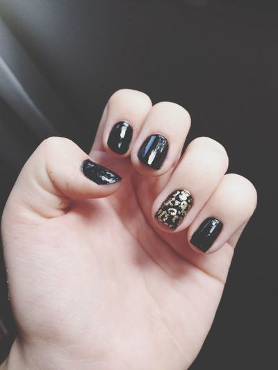 Nails ? Hello World Nails