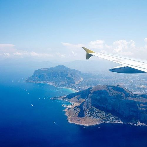 I don't think I'll ever get sick of flying. Ventoura Travel Palermo Sicily Europe windowseatsalltheway fly